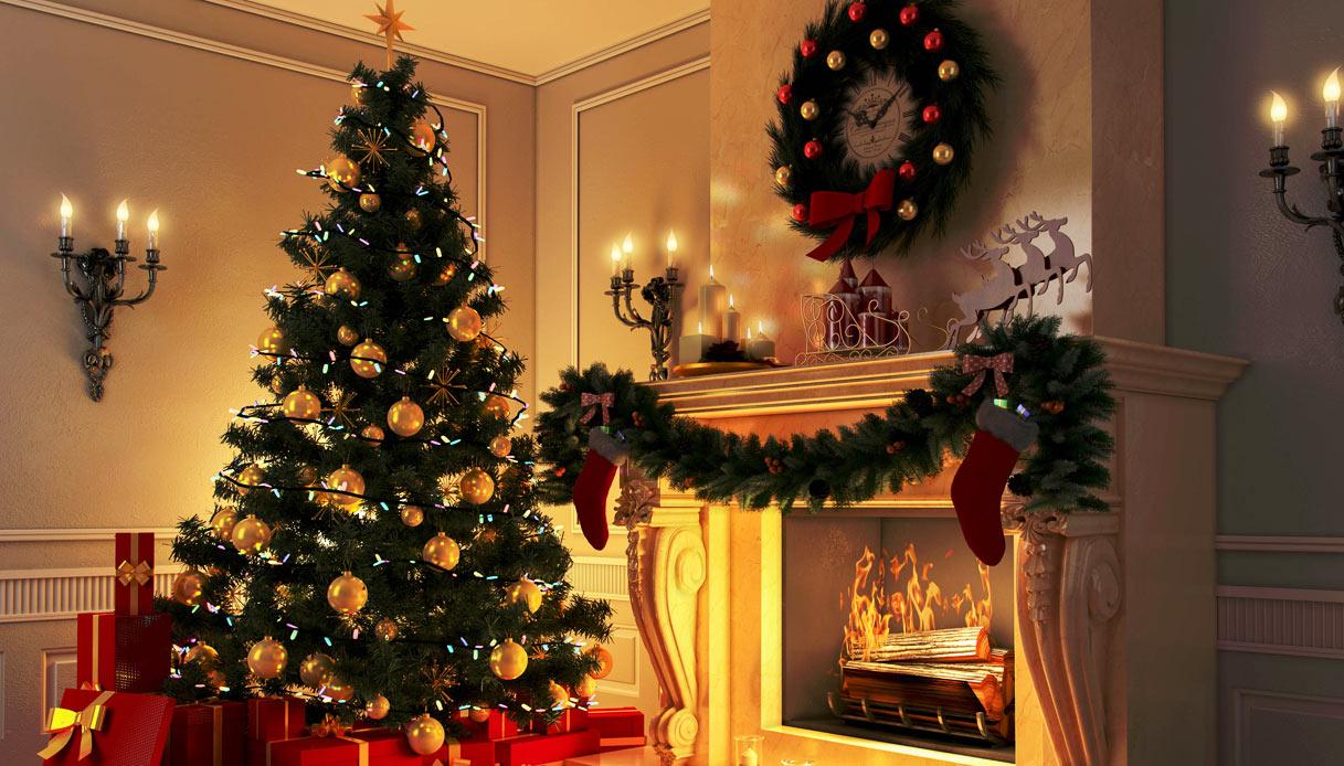 Una Indiscrezione Al Giorno Lalbero Di Natale Cesare Lanza