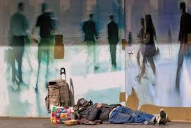 Questa immagine ha l'attributo alt vuoto; il nome del file è povertà.jpg