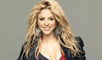 Questa immagine ha l'attributo alt vuoto; il nome del file è Shakira-e1612266271332.jpg